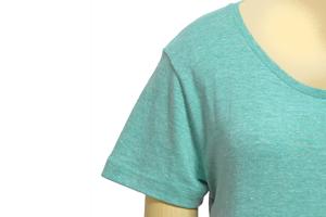 華奢な作りのガールズTシャツ