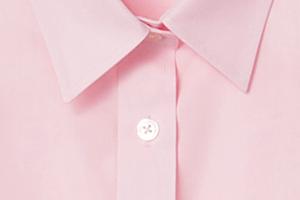 ドレスシャツに使われるブロード生地(別名ポプリン)を使用