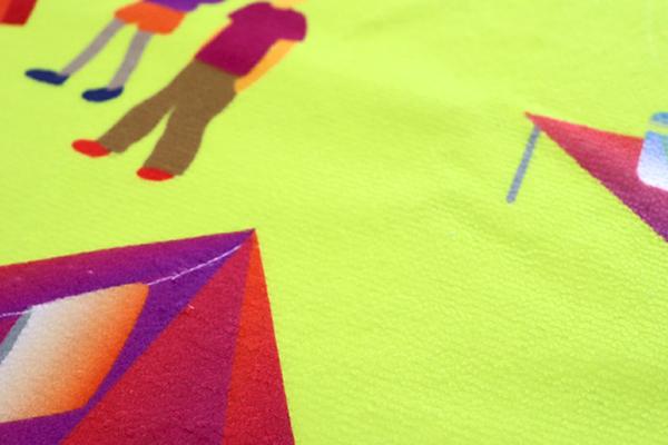 色味のグラデーションや細かいデザインもくっきりプリント