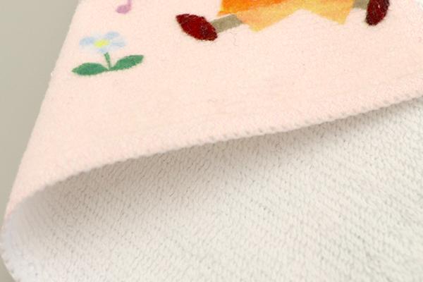タオルの裏面は吸水性バッチリの綿100%