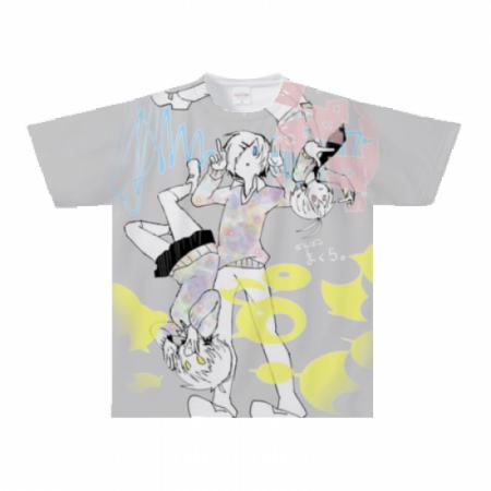 全面にイラストをプリントしたTシャツ