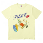 夏を満喫!シロクマのイラストをプリントしたTシャツ