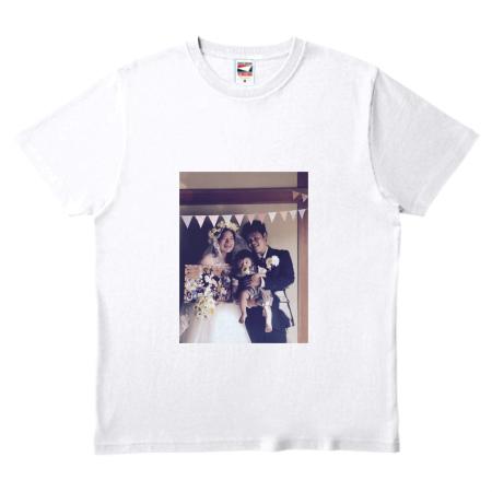 家族写真で記念のオリジナルTシャツを作成