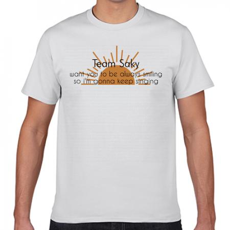太陽モチーフのチームオリジナル白Tシャツ
