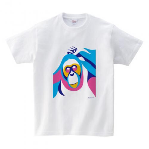 カラフルな猿のイラストをプリントしたキッズTシャツ
