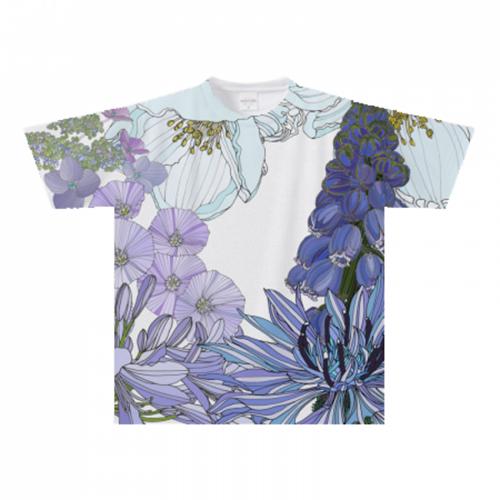 夏の花を全面に。オリジナルのプリントTシャツ