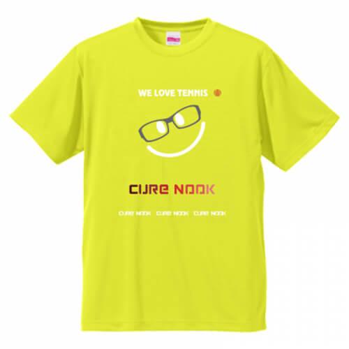 チーム名をプリントしたテニスクラブのオリジナルTシャツ