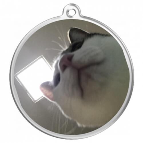 あごの下から!猫写真をプリントしたオリジナルキーホルダー