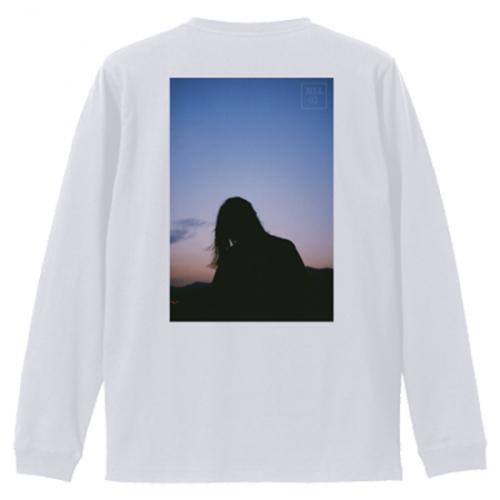 空の写真をプリントしたオリジナルの長袖Tシャツ