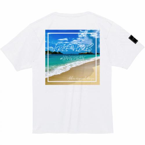 ビーチの写真が鮮やかなプリントTシャツを作成
