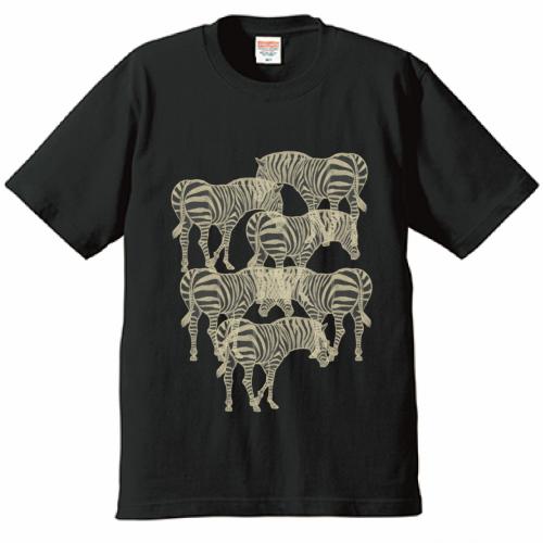 自作イラストをプリントしたオリジナルのグラフィックTシャツ