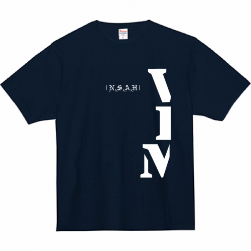 ブランド名をデザインしたオリジナルのプリントTシャツ