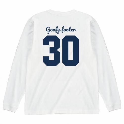 チーム名と背番号をプリントしたオリジナルの長袖Tシャツ